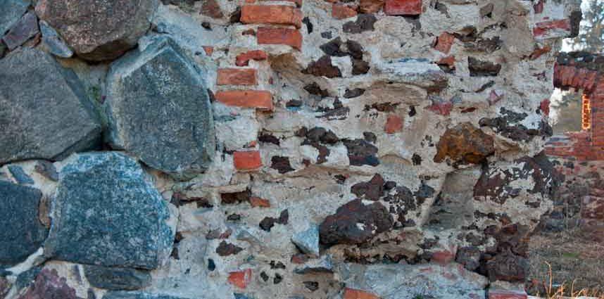 Ściany z kamienia łupanego - technika budowy